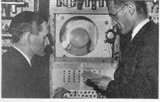 Tom Kilburn & Freddie Williams at the control panel of the SSEM